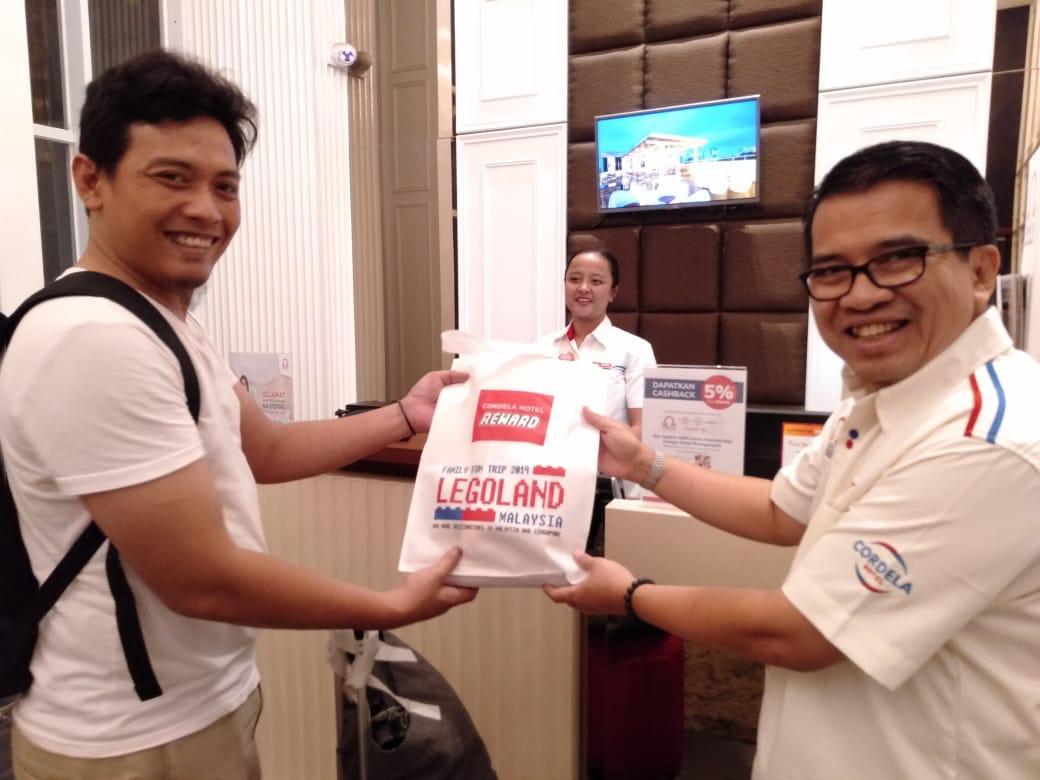 Pemberian Hadiah Harpelnas dari Direksi OHM di Cordela Norwood Menteng Jkt